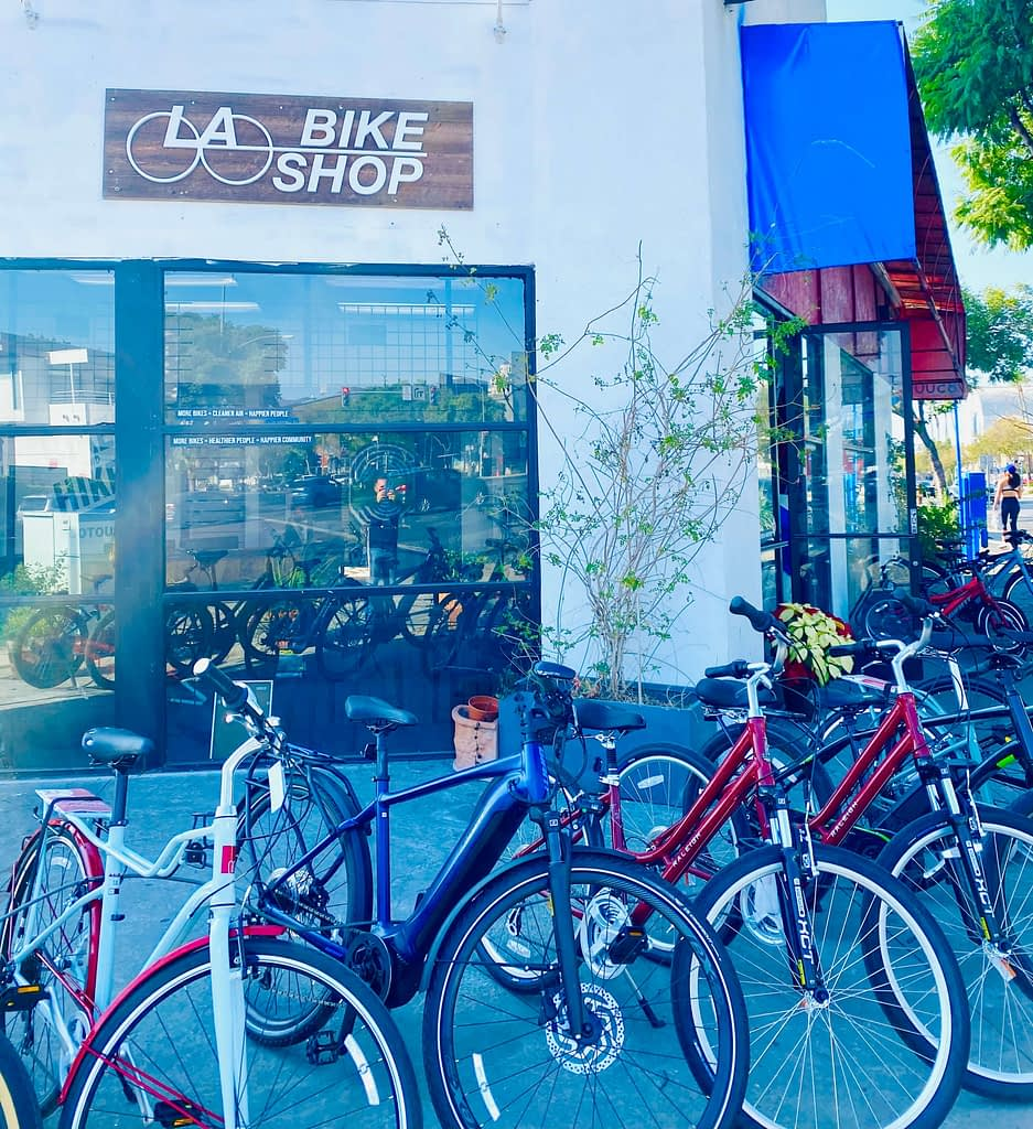 bikes parked outside of bike shop la